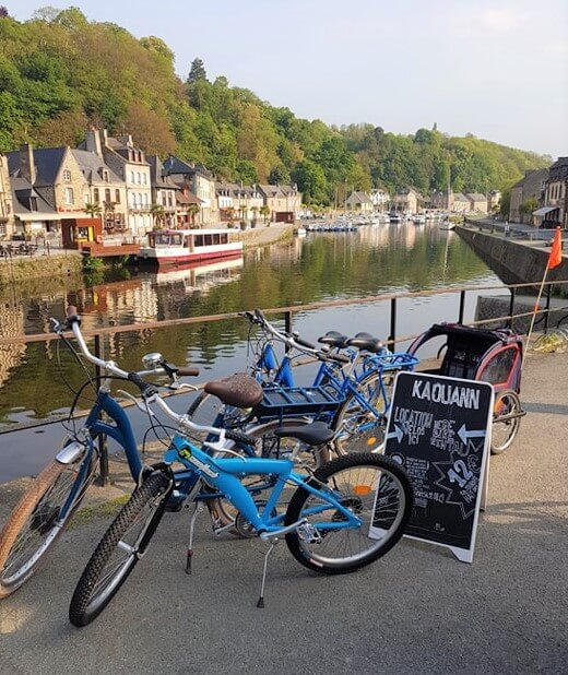 location de vélos sur le port de Dinan