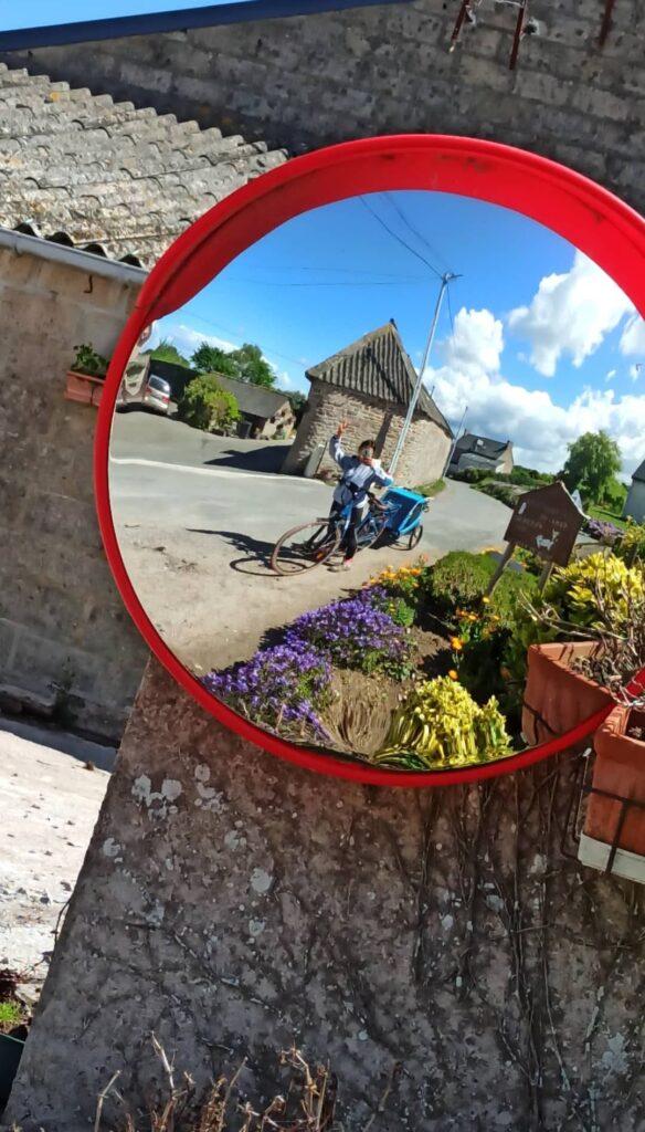 Selfie miroir ! Avec mon vélo électrique Kaouann sur la Vélomaritime en Bretagne
