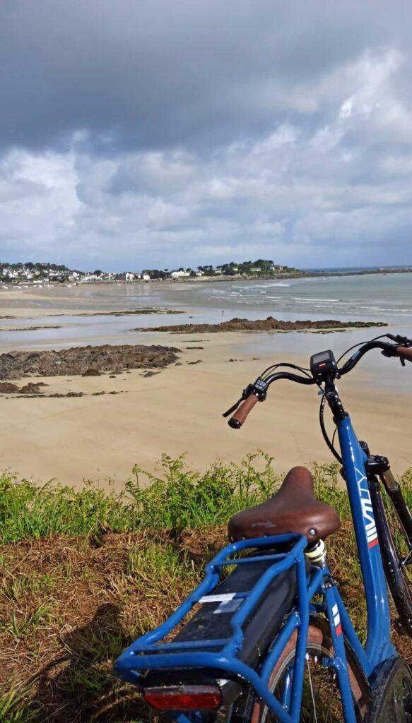 Cet été, voyagez local et écolo : explorez la Bretagne à pied et à vélo avec Kaouann !
